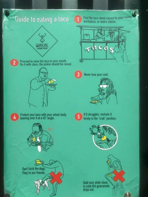 2 Tacoları düzgün şekilde yiyebilmeniz için komik rehberler var;