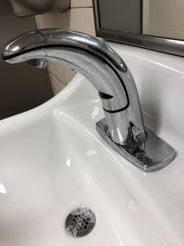 4 Otomatik lavabolarda da suyun sıcaklığını değiştirmek mümkün..