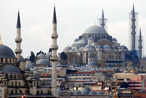 5. Süleymaniye Camii (İstanbul) – 2014 'Turistlerin Tercihi' ödülü