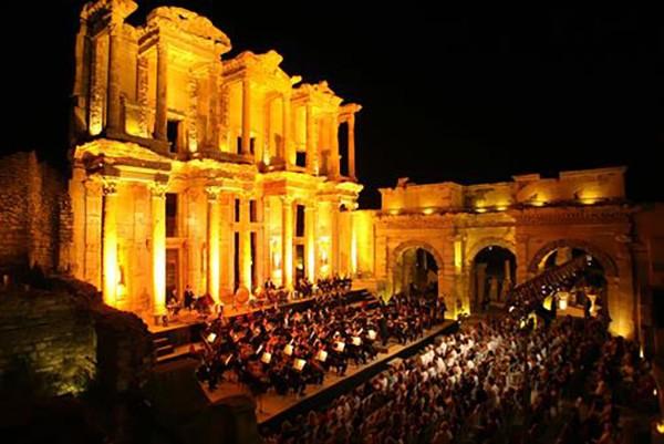7. Efes Celsus Kütüphanesi – Mükemmellik Sertifikası