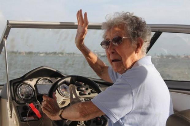 Doktorlar derhal ameliyat olmakla kemoterapiye başlamak arasında bir seçim yapması istemiş Norma'dan.