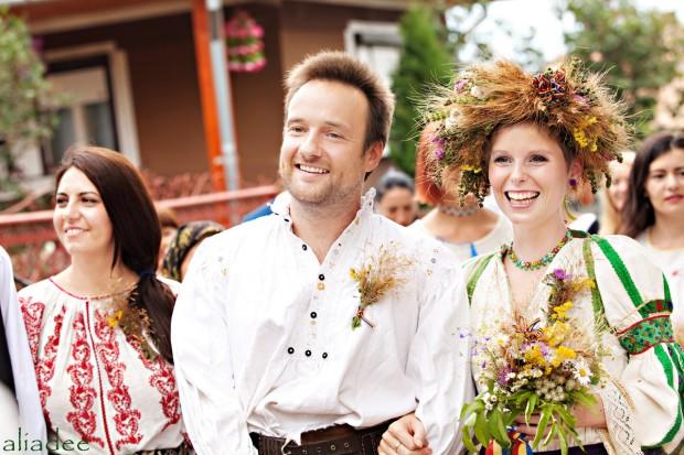 Şimdiye kadar Pelling ve Gant 70 farklı ülkede yaklaşık 70 defa evlenmişler. Bu ülkeler içinde Arjantin, Fas, Avustralya, Güney Afrika ve Ürdün bile var!
