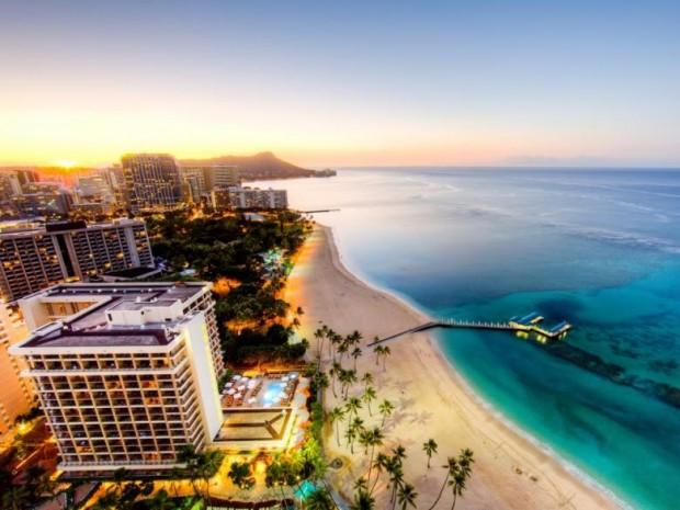 1. Waikiki Beach, Hawaii