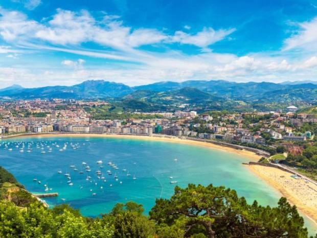 4. La Concha plajı, İspanya