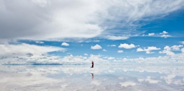 5. Salar de Uyuni, Bolivya'da bir 'ayna-göl'