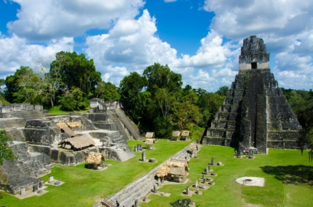 5. Tikal, Guatemala - Mayaların en büyük yerleşimlerinden biri. Piramit yapısıyla dikkat çekiyor. Ne amaçla kullanıldığı net olarak bilinmiyor.