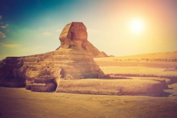 13. Büyük Gize Sfenksi, Mısır - Çölün ortasındaki devasa heykel, belki de tüm zamanların en büyük gizemi.