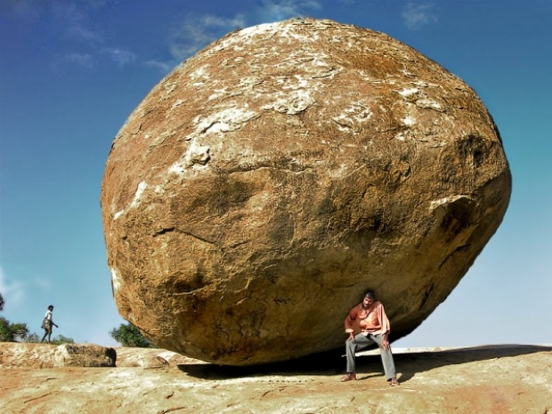 Bu devasa kaya, eğer Hindistan'a giderseniz, muhakkak görmeniz gereken detaylardan.