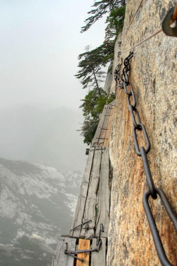 8. Rotanın bir sonraki aşamasına geçmek için dağa tırmanmanız gerekiyor.