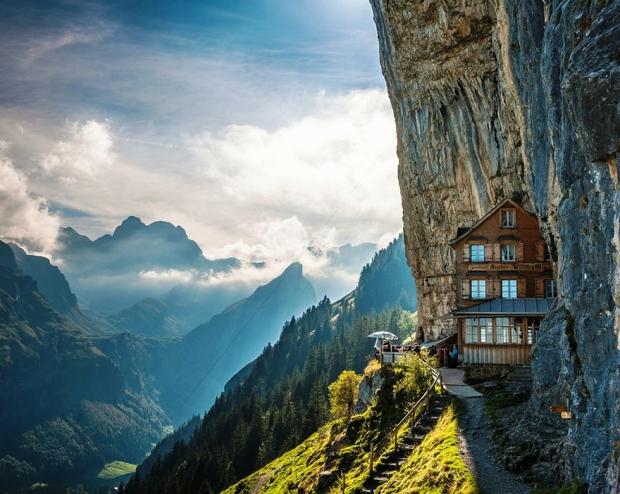 Äscher Cliff, İsviçre