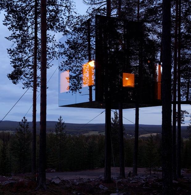 11. Mirrorcube Tree House Hotel, İsveç