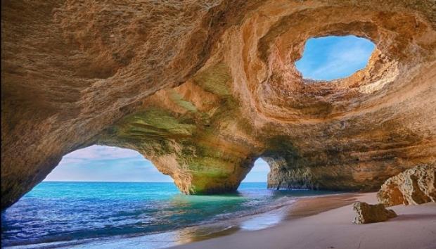 10. Algarve Mağarası – Portekiz