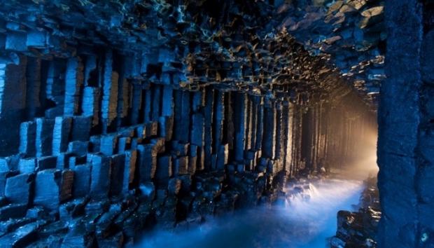 3. Fingal Mağarası – İskoçya
