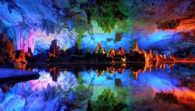6. Reed Flute Mağarası – Çin