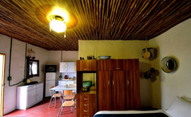 Otelin için 52 adet oda bulunuyor ve bu otelde genelde zenginler konaklıyor...