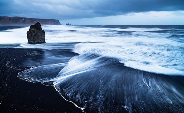 6. Vik Sahili, İzlanda