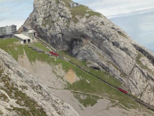 Pilatus hattı dünyanın en dik demiryolu.