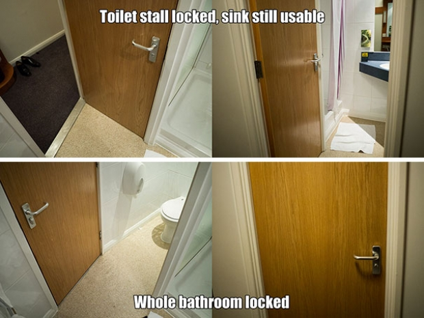 Özel tasarım kapı sayesinde banyoyu aynı anda iki kişi kullanabiliyor.