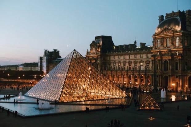 Louvre Müzesi(Paris):