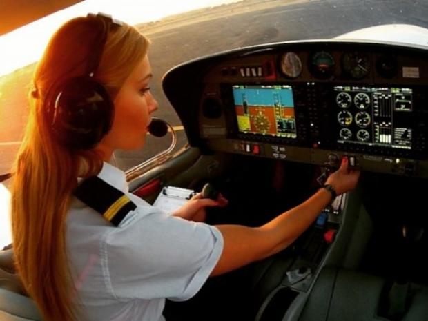 25 yaşındaki pilotun Instagram'da 100.000'i aşkın takipçisi var