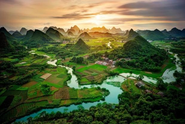 1 – Guangxi Mountains, Çin