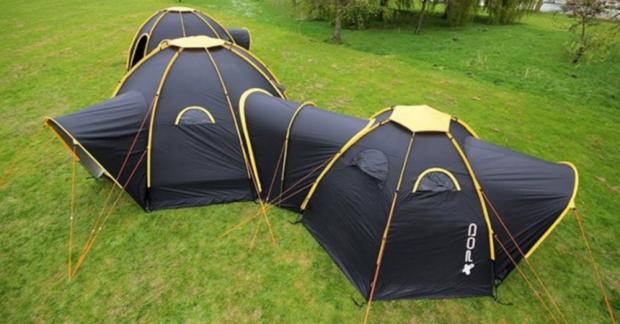 Geliştirilen bu modüler çadır, birden fazla çadır arasında bağlantı kurarak dev bir tek çadır haline getirerek daha sosyal bir kamp deneyimi vadediyor