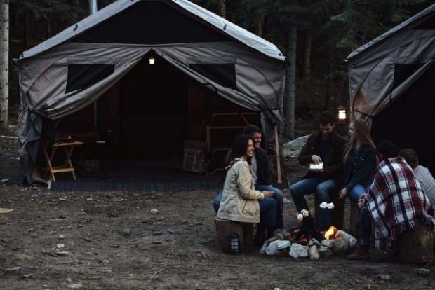 Bu çadır, adeta bir ev! İçine 12 kişinin sığabileceği bir büyüklükte olan bu devasa çadır, sıradan çadırların pek çok dezavantajını ortadan kaldırı