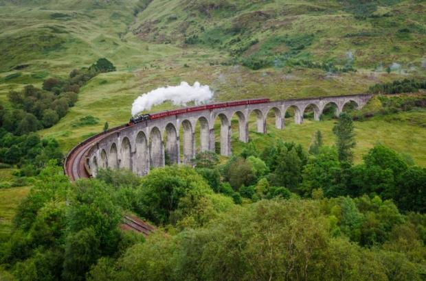 Glenfinnan Viyadüğü – İskoçya