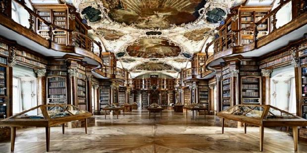 1. Abbey Kütüphanesi / İsviçre