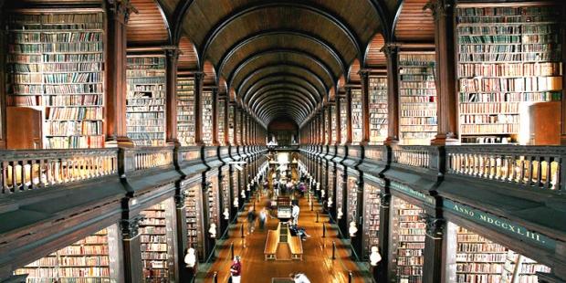 7. Trinity Üniversitesi Kütüphanesi / İrlanda