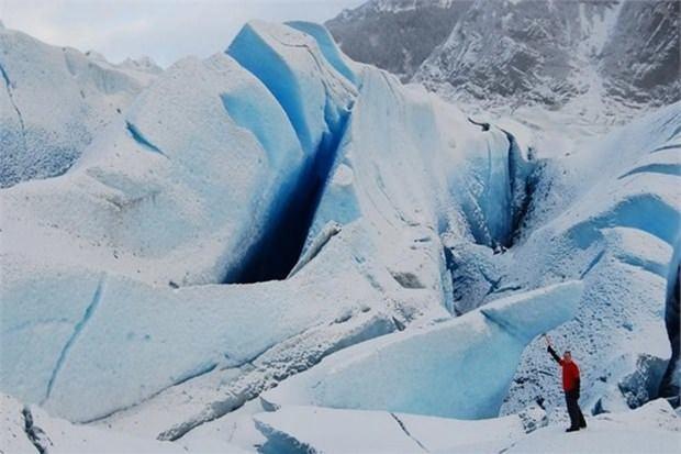 6. Mendenhall buzulunda yürümek (Alaska)