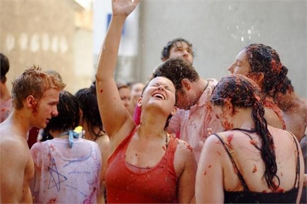 10. 'La Tomatina' Festivaline katılmak (İspanya)