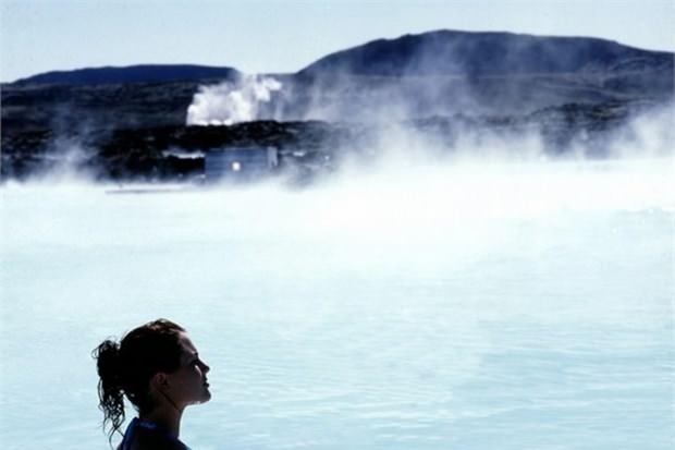 33. Mavi Lagün'de yüzün (İzlanda)