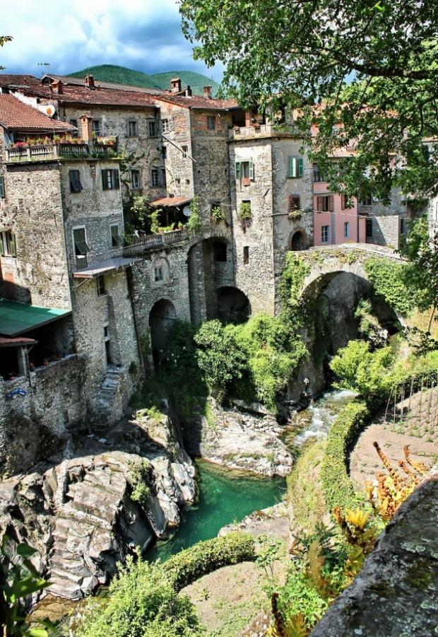 6. Bagnone, İtalya