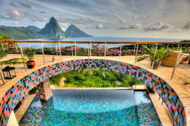2. Jade Mountain Resort'da bulunan bu harika manzaralı havuz, Karayiplerin gizli incisi Saint Lucia'nın tadını doyasıya çıkarabilmeniz için bire bir!