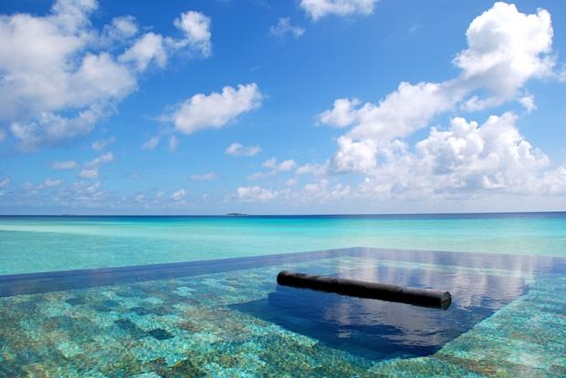 5. Şili'deki bir otelde bulunan bu havuz, bembeyaz kumlu bir okyanusun kucağında bulunan ve dünyanın en büyük havuzu olduğu söylenen saklı bir cennet.