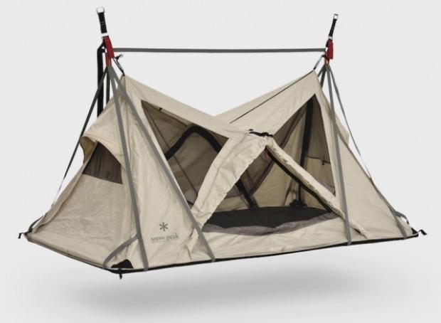 Tabii çok rüzgârlı hava koşullarında çadırın zemininden yere ya da ağaca ip gerip çadırı sabitleme imkânınız her daim var.
