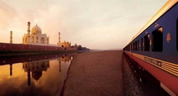 8. The Maharaja Express, Hindistan'ın en lüks ve pahalı tren yolculuğu.