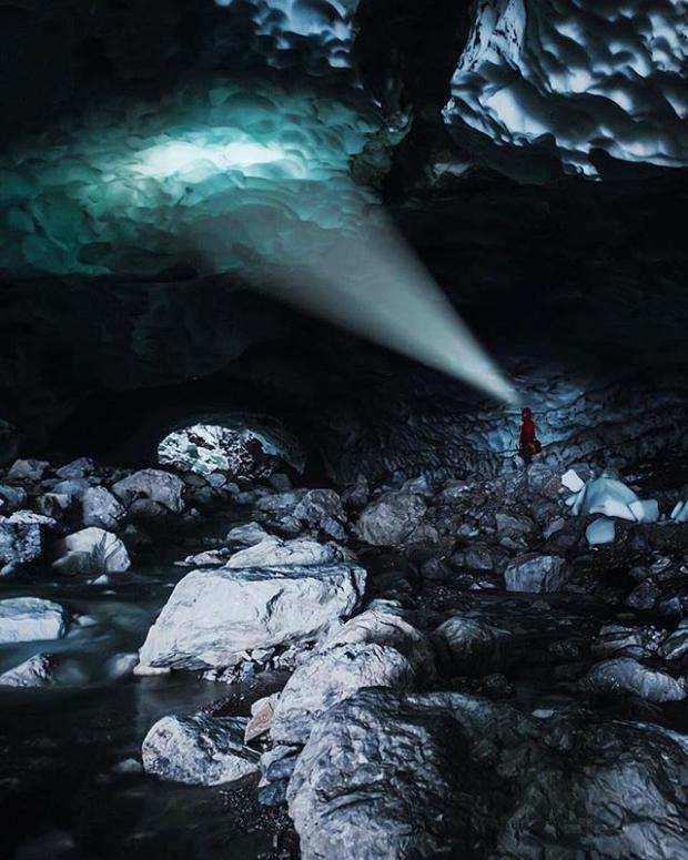 1. Watzmann Dağı'nın etekindeki mistik buz şapeli