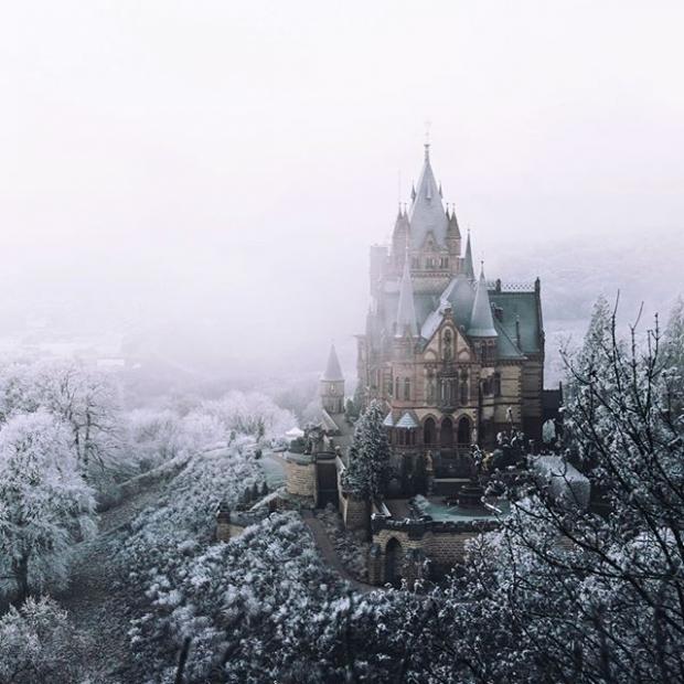 3. Königswinter yakınlarındaki Schloss Drachenburg kalesi