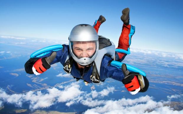 5. Uçaktan paraşütsüz atlamak - Kanada